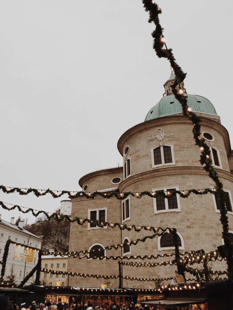 Salzburg // Christkindlmarkt Edition Detail Dom